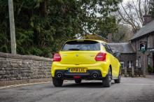 Основанный на предыдущем опыте работы с подобными моделями, этот автомобиль имеет чрезвычайно легкую конструкцию и высокую мощность.