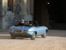 Это также первый Rolls-Royce, которым владела королева Елизавета II и принц Филипп.