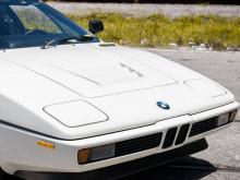 Первоначально приобретенный клиентом из Мексики, а затем импортированный в Калифорнию, среднемоторный суперкар имел одного владельца в течение 30 лет и теперь ищет новый дом. Помимо опционных колесных дисков BBS, это практически полностью оригинальны