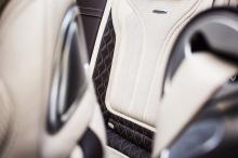 А что с самой машиной? Это 2017 Mercedes-AMG S 63 4MATIC Convertible, который поставляется с массивным 5,4-литровым двигателем biturbo V8, соединененный с автоматической коробкой передач MCT с 7 скоростями и способный производить 585 лошадиных сил и