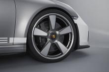 Последний Porsche Speedster продолжает длинную линейку моделей Speedster. Всё началось с 1952 356 1500 America Roadster. К 2010 году было выпущено восемь различных производственных и специальных моделей Speedster. Последний был 997 911 Speedster, пос