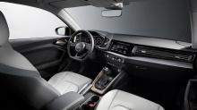 В салоне Audi удалось найти дополнительные 65 литров пространства, давая вам 335 литров с задними сиденьями и 1090 литров со сложенными сиденьями.