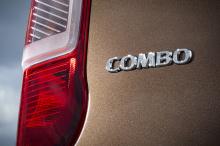 Мы знаем, что он будет доступен для заказа осенью и поступит в автосалоны в декабре. Новый Combo основан на новой архитектуре и оснащен короткой или длинной колесной базой, огромным грузовым пространством и удобной технологией FlexCargo, которая позв