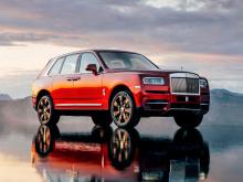 После более чем трех лет разработок Rolls-Royce, наконец, совершил свой первый набег на сегмент ультра-роскошных внедорожников вместе с Cullinan. Огромный внедорожник представляет пятую модель компании наряду с Phantom, Ghost, Wraith и Dawn. Он всегд