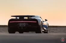 У этого же человека теперь есть Bugatti Chiron. Это один из самых впечатляющих автомобилей, когда-либо производившихся, с общей мощностю 1500 лошадиных сил и ценой в 3 миллиона долларов.
