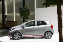 Комплект обвеса добавляет большое количество накладок и спойлеров самой маленькой модели Kia.