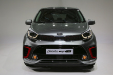 За 14 720 фунтов стерлингов вы можете получить GT-Line S с электрическим люком, подогревом передних сидений и рулевым колесом, автоматическим кондиционером, умным ключом с кнопкой старт/стоп и круиз-контролем с ограничителем скорости.