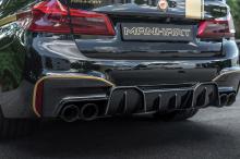 Кроме того, команда инженеров установила набор пружин KW, которые уменьшают общую высоту автомобиля в общей сложности на 20 мм и способствуют более точной и уверенной управляемости.