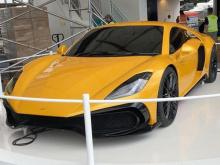 Британский суперкар начального уровня дебютировал скромно, поскольку он был представлен на шинной стойке Michelin, вдали от суеты и паддоков суперкаров.