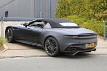 Традиционно Aston Martin довольно нагло тестирует свои модели Volante на публике. Они имеют небольшой камуфляж, и, в результате, довольно легко понять, как будет выглядеть автомобиль, как только он попадет на рынок.