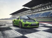 Carrera GTS - это следующий рендер в нашем списке, и эта модель стала основой последних нескольких поколений 911.