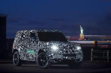 Автомобили Defender, которые мы все полюбили благодаря их дизайну и репутации, по-прежнему остаются одной из самых популярных машин марки. Благодаря мгновенно узнаваемому дизайну, общей выразительной и «мускулистому» внешнему виду Defender привлекает