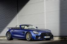 Кроме того, автомобиль предлагает улучшенное рулевое управление по сравнению с предшествующими моделями благодаря многочисленным тонким настройкам и техническим изменениям.