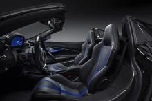 Дополнительные функции включают покрытие Gloss Carbon Fiber Tonneau, специально разработанное для 720S Spider.