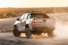2021 Chevrolet Colorado впервые будет показан публике на гоночной трассе 2019 Method Laughlin Desert Classic 10 октября под управлением Hall Racing. Затем новый член семьи дебютирует на выставке SEMA в Лас-Вегасе.