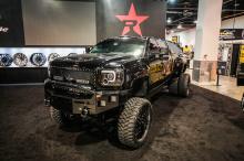 Модифицированная Sierra будет экспонироваться до 8 ноября на SEMA Show 2019 в Лас-Вегасе на стенде Pilot Automotive # 20113 в центральном зале Лас-Вегасского конференц-центра.