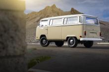 После демонстрации возможностей трансмиссии e-Golf команда Volkswagen поручила специалисту по переоборудованию электромобилей западного побережья EV West построить электрифицированный VW Type 2.