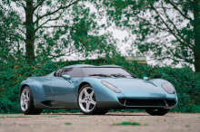 Aether оснащен 7,3-литровым двигателем V12 мощностью 749 л.с. Самым большим преимуществом Aether является тот факт, что он является одним из немногих родстеров Zonda, он также оснащен шестиступенчатой механической коробкой передач. Другие специальные