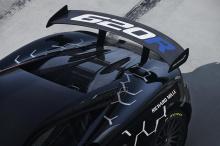 McLaren 570S GT4 был доступен восторженным командам клиентов с 2017 года. За относительно короткий период времени он добился большего количества гоночных побед и наград, чем любой другой McLaren на сегодняшний день. Специальная модель Sport Series от