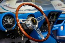 Примером, который здесь продается, является одна из более ранних моделей P400, которая в рамках двухлетней реставрации окрашена в жгучий оттенок Verde Miura. Первоначально он был продан в Италии, прежде чем провести большую часть своей жизни в Калифо