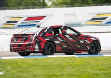 Если вы пропустили CT5-V, скоро появится новая, более быстрая версия Cadillac CT5-V, получившая название «CT5-V Blackwing». Он получает ярлык