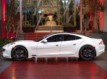 «Мы рады сообщить, что Karma теперь предложит наш первый полностью электрический автомобиль в следующем году в рамках серии GS», - сказал д-р Лэнс Чжоу, генеральный директор Karma. «Снижение затрат в спецификации, оптимизация нашей цепочки поставок и