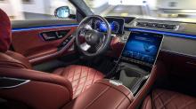 В то время как Mercedes-Benz продвигается вперед с новой технологией, Ford также объединился с Bosch в разработке почти идентичной автономной парковочной системы, которая была продемонстрирована в центре Детройта в прошлом месяце.