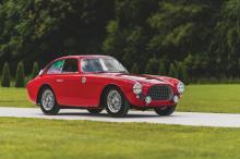 Наджиб Хан, бывший генеральный директор Interlogic Outsourcing, имеет невероятную коллекцию автомобилей, которая вызывает зависть у автолюбителей, и включаетя более 240 автомобилей, от современных суперкаров и классических спортивных автомобилей до м