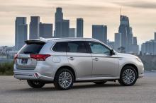 Mitsubishi стала третьим колесом альянса Renault-Nissan еще в мае 2016 года, когда Nissan согласился заплатить 2,2 миллиарда долларов за этот 34-процентный кусок пирога. В то время Mitsubishi был в разгаре своего третьего скандала всего за два десяти