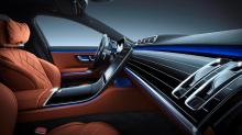 Вариант Maybach будет на восемь сантиметров длиннее стандартного S-класса, что принесет пользу пассажирам на задних сиденьях.