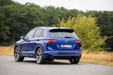 Находясь на вершине модельного ряда, R является самым мощным Tiguan из когда-либо созданных и, по словам Volkswagen, «сочетает в себе динамические характеристики спортивного автомобиля с вариативностью внедорожника».