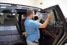 Защитная антивандальная пленка на стекла BMW