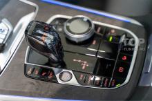Хрустальный центр управления в салоне BMW (Ручка, консоль, кнопка старт-стоп и джойстик iDrive)