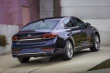 Не только мы были удивлены, увидев Kia K900 в 2019 модельном году. Большой седан нацелен на покупателей автомобилей премиум-класса, которые хотят приобрести многофункциональный и недорогой роскошный автомобиль. Вернее, так было. K900, как и Kia Caden