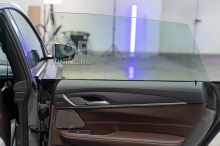 Стандартная заводская тонировка на BMW