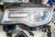 105637 Замена линз на Jeep Grand Cherokee WK2