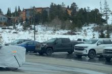 Завод ZERO, ранее известный как Сборочный центр Детройт-Хамтрамк, также будет собирать другие электромобили GM, такие как GMC Hummer, роботакси Cruise Origin и другие. Наряду с объявлением о том, где будет собираться электрический грузовик, Chevy про