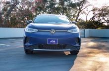 С тех пор, как ID.4 прибыл в Америку в прошлом месяце, VW расширил свою электрическую линейку с семиместным внедорожником ID.6 только для Китая. На этой неделе VW также представит ID.4 GTX, первую из нескольких спортивных моделей GTX, которые будут э