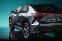 Более захватывающая перспектива - серийная версия недавно представленного концепта bZ4x, электрического внедорожника с аккумуляторной батареей.