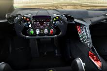Как следует из названия, Essenza оснащена атмосферным двигателем V12, установленным за водителем, мощностью более 830 л.с. Всего будет произведено 40 штук. Но сегодня мы сосредоточимся на каркасе безопасности из карбона класса FIA Hypercar. Междунаро