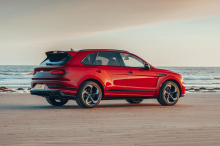 Колеса из карбона, возможно, стали настолько доступными, чтобы их можно было установить на Mustang, но их все еще невероятно сложно спроектировать. Мы редко видим, чтобы они были приспособлены к чему-либо, кроме дорогой экзотики, такой как Koenigsegg