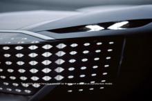 Это довольно исторический момент для Audi, но мы видим четкую связь между дизайном 853A и длинным силуэтом Sky Sphere. «Основа хорошего дизайна - пропорции», - говорит Лихте о Horch. «Эти пропорции просто потрясающие - длинная колесная база, без свес