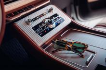 Lincoln говорит, что концепция «чевствует дизайн и артистизм» и черпает вдохновение в различных предметах роскоши Shinola, включая часы Canfield Sport и велосипед Runwell.