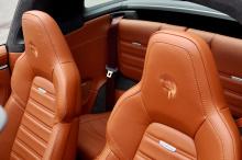 992 Targa от Ares поставляется с аэродинамическим комплектом из карбона, который увеличивает ширину на 8 см спереди и 4 см сзади. Это придает Ares Targa более напористую позицию по сравнению со стандартным автомобилем, за что следует отдать должное M