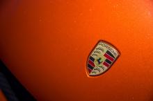 Босса линейки продуктов Macan Себастьяна Штайгера спросили о будущем Macan и о замене его на полностью новую электрическую модель всего через три года. «В автомобильном проекте есть несколько ограничивающих факторов», - сказал Штайгер. «Одним из этих