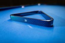 Клиенты могут полностью персонализировать свой бильярдный стол от Bugatti, выбрав индивидуальные цвета карбона и кожи по своему желанию. Бильярдный стол Bugatti будет ограничен всего 30 единицами.