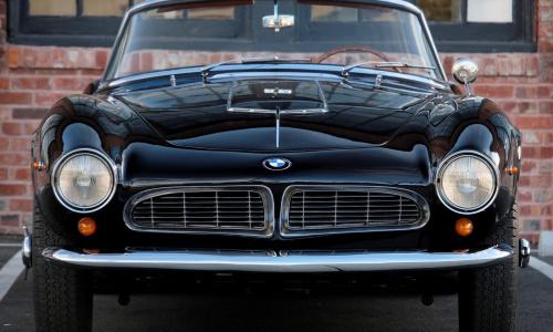 1957 BMW 507 стоит 1,6 млн долларов и его цена только растет